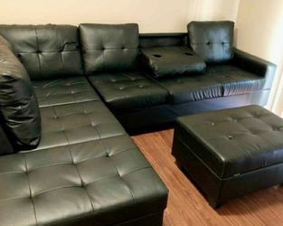 Heights Black Faux Leather Reversible Sectional with Storage Ottoman ⭐ Couch ⭐ Living Room Set for Sale in Round Rock,  TX
