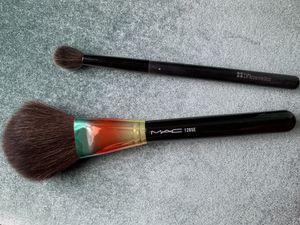 Mac makeup brush and eyeshadow blender brush for Sale in Nanuet, NY