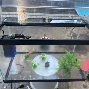 10 Gallons Fish Tank Accessories And Oxigen Pump With LED lights for Sale in Sunnyvale, CA