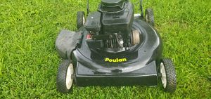 "Lawn Mower- 22"" Poulan, Discharge, Push (serviced) for Sale in St. Louis, MO"