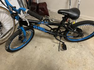 Bikes amplificador speaker for Sale in Laurel, MD
