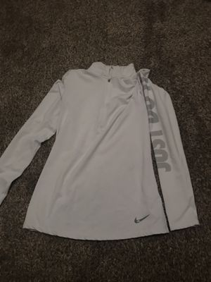 White Nike pullover, size L for Sale in Sioux City, IA