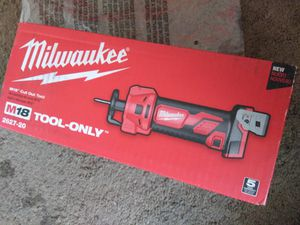 Milwaukee new Cut Out M18. Herramienta Nueva for Sale in Los Angeles, CA