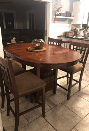 Kitchen table and chairs for Sale in Inman, SC