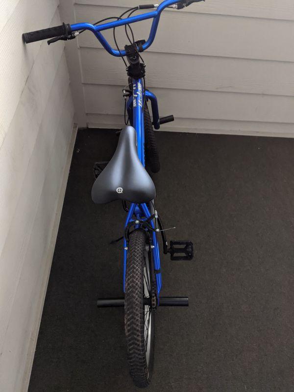 "20"" Mongoose Mode 100 BMX Freestyle Bike"