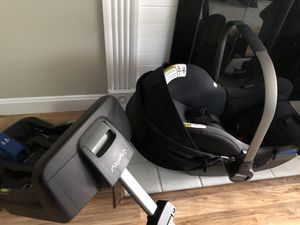 Nuna car seat and two bases (only one shown) for Sale in Worcester, MA