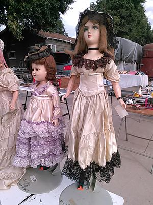 Antique bed dolls and many others for Sale in Montclair, CA