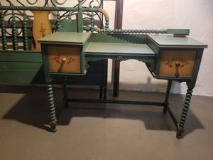 Antique vanity and bed set for Sale in Willoughby, OH