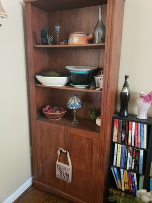Shelf with cabinets below for Sale in Ellicott City, MD