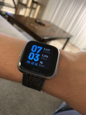 Fitbit Versa for Sale in Grand Terrace, CA