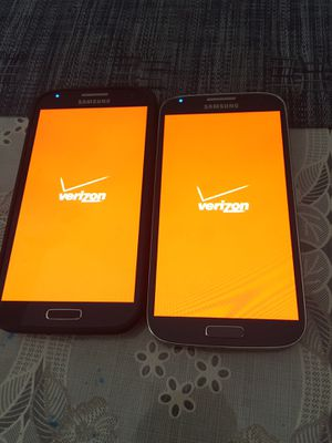 2 galaxy S4 for Verizon carrier clean ESN for Sale in Corona, CA