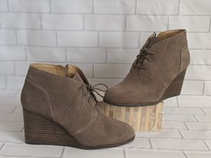 """LUCKY BRAND Shylow Suede Wood Style Wedge Lace up Booties 3"""" Heel Size 9.5 NEW for Sale in Moreno Valley, CA"""