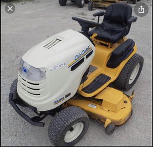 """Cub Cadet 54"""" Lawn Tractor AND Jack for Sale in Columbia, TN"""