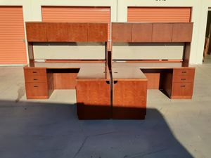 Wow!! Great deal!! 2 Excellent matching mahogany L shaped corner desks with hutch!! Can deliver for Sale in Garden Grove, CA