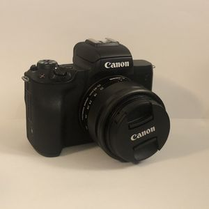 Canon M50 with 15-45mm lens & batteries for Sale in Seattle, WA