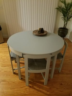 Breakfast round table for Sale in Brockton, MA