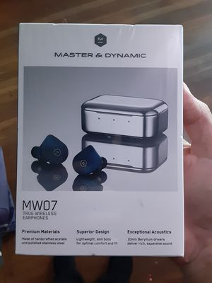 Master and dynamic wireless earbuds new for Sale in Vallejo, CA