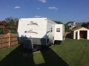 2008 Crossroads Zinger ZT-320-QB camper for Sale in Lake in the Hills, IL