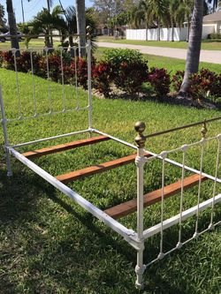 Vintage cast iron and brass twin bed for Sale in Cape Coral,  FL