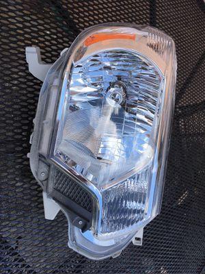 2012 threw 2015 Toyota Tacoma new headlight for Sale in Miami, FL