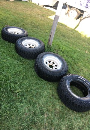 K5 blazer original mud wheels. 31x10.50R15LT for Sale in La Puente, CA