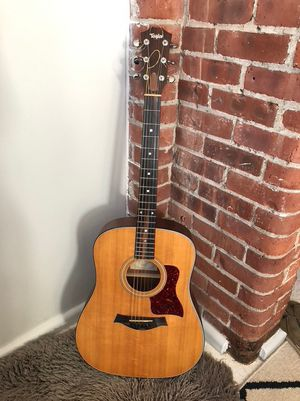 Taylor 310 Acoustic guitar Mint condition for Sale in Boston, MA