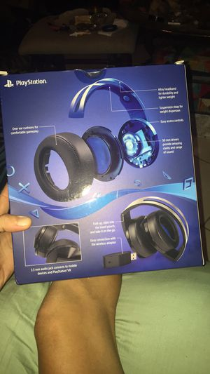 Play station platinum Bluetooth headphone for Sale in Baton Rouge, LA