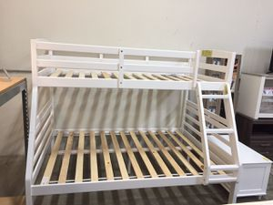 Twin/Full Bunk Bed, White for Sale in Bell Gardens, CA