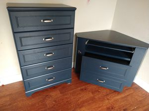 Kids desk with hideaway chair and dresser for Sale in Costa Mesa, CA
