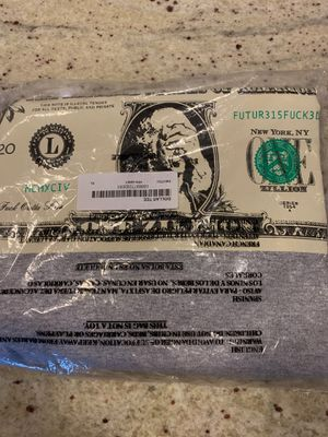 SUPREME DOLLAR TEE XL UNOPENED DEADSTOCK for Sale in Miami, FL