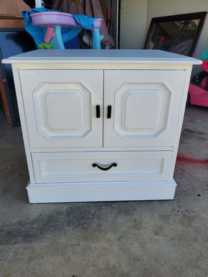 White bedroom end table night stand for Sale in Glendora, CA