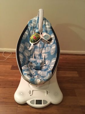 4 Moms Mamaroo Baby Swing for Sale in Fairfax, VA