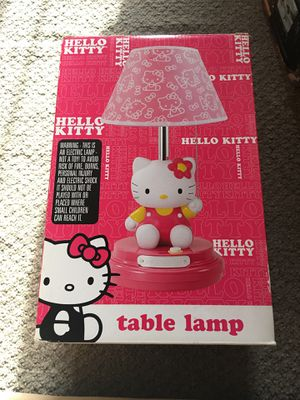 HELLO KITTY LAMP: MAKE AN OFFER: IT DOES HAVE A CRACKED SHADE for Sale in West Covina, CA