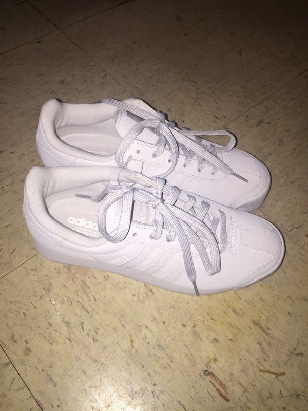 NEW Women's Adidas size 7