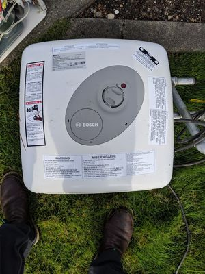 Bosch water heater for Sale in Puyallup, WA