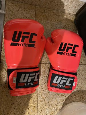 UFC GLOVES for Sale in Norco, CA