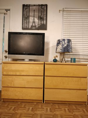 "Nice 2 matching dressers with big drawers in good condition all drawers working well, driveway pickup. L31.5""*W19""*H30.3"" for Sale in West Springfield, VA"