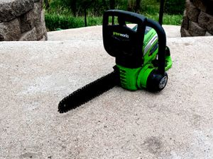 40v Greenworks Cordless Chainsaw for Sale in Colorado Springs, CO