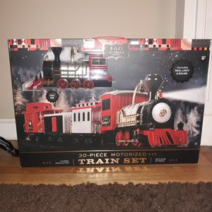 FAO Schwarz Train Set for Sale in Elmwood Park, NJ