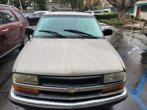 Chevy Blazer 2002. 2 door for Sale in Whittier, CA