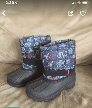 Girls boots children size 10 like new for snow or rain for Sale in Philadelphia, PA
