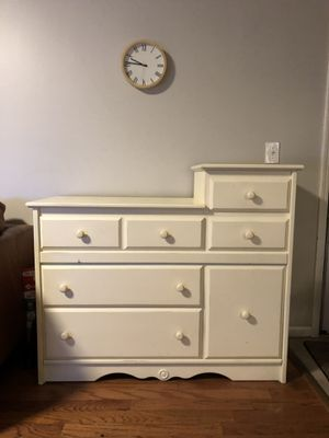 Baby changing dresser for Sale in Atlanta, GA