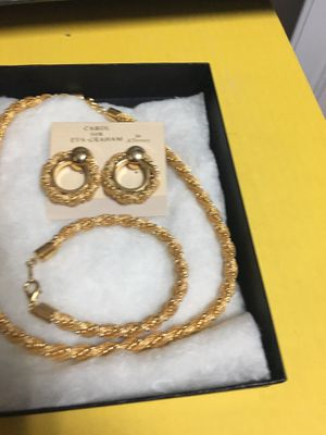 3 Piece Gold Tone Jewelry Set: Earrings, Bracelet, and Necklace for Sale in Las Vegas, NV