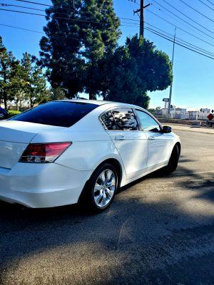 Honda accord 2009 titulo limpio smog recien hecho placas al dia 4 cilindros motor y trasmision al 100% for Sale in Tustin, CA