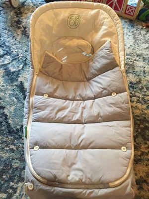 Orbit winter Car Seat Cover/Blanket for Sale in Delmar, NY