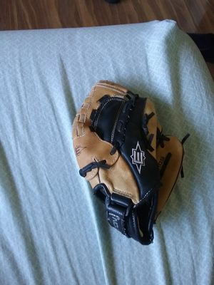 Easton BASEBALL Glove for Sale in La Puente, CA