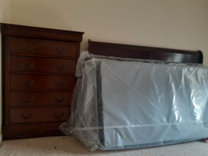 King size set almost new for Sale in Centreville, VA