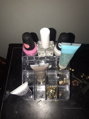 Plastic Organizer (for lipglosses) for Sale in Durham, NC