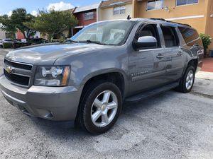 2008 Chevy suburban Lt mechanic special for Sale in Miami Gardens, FL