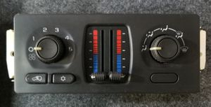 Used GM OEM Dual Climate AC / Heat Controls for Chevy GMC in Excellent Condition! for Sale in Gonzales, LA